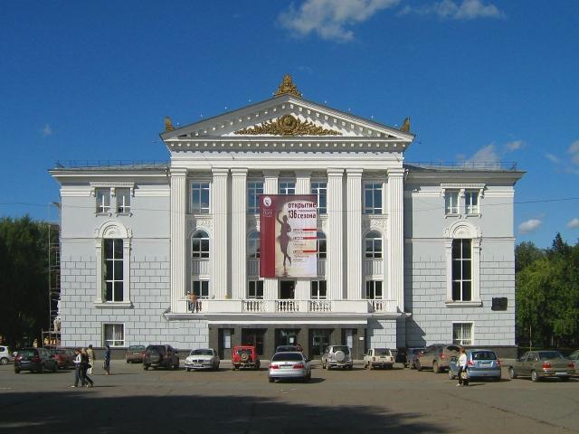 Новое средневековье: в Пермском театре ввели сегрегацию зрителей