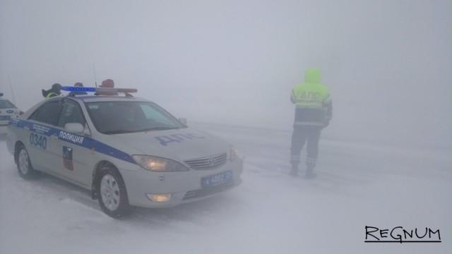 В мороз и метель за сибирскими трассами организован усиленный контроль