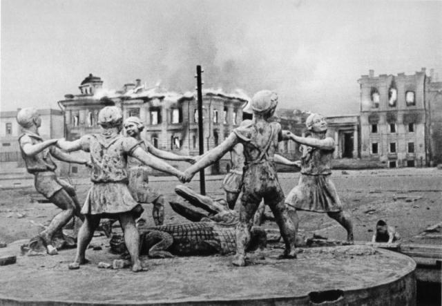 Сталинград. К Волге движется смерть