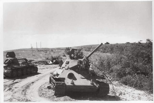 Советские танки Т-34, подбитые под Сталинградом