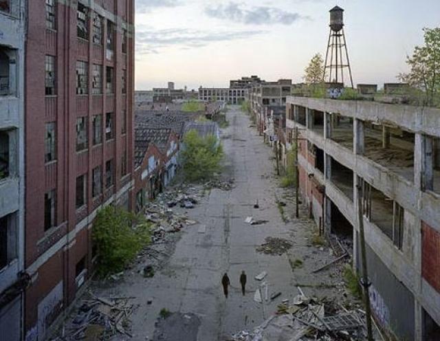 Заброшенные промышленные кварталы. Детройт в наши дни