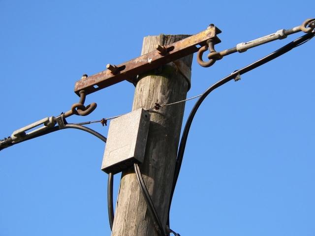Деревянный столб. ЛЭП