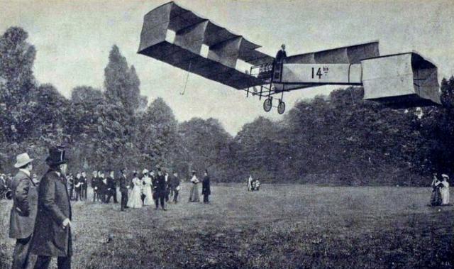 Пионер авиации Сантос-Дюмон тестирует свой летательный аппарат