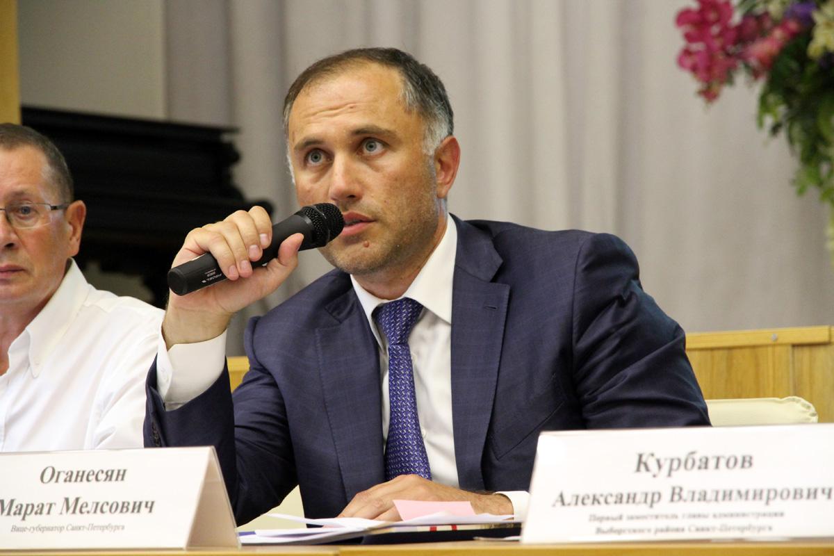 Марат Оганесян в бытность вице-губернатором Петербурга