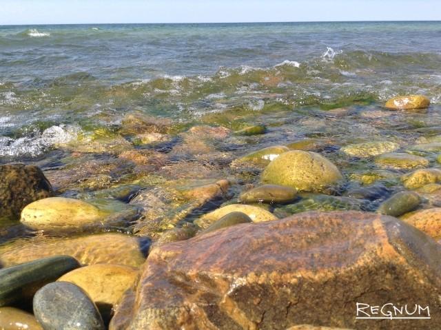 Байкальский берег в Бурятии