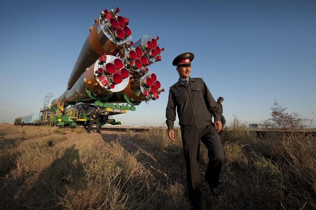На Байконуре завершают подготовку к старту ракеты-носителя
