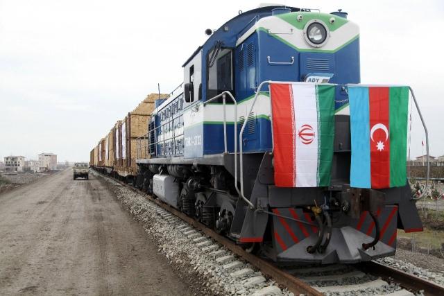 Первый тестовый поезд из России через Азербайджан дошел до Ирана