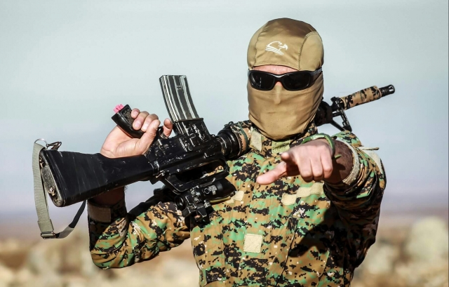 Боец Отряда народной самообороны Курдистана