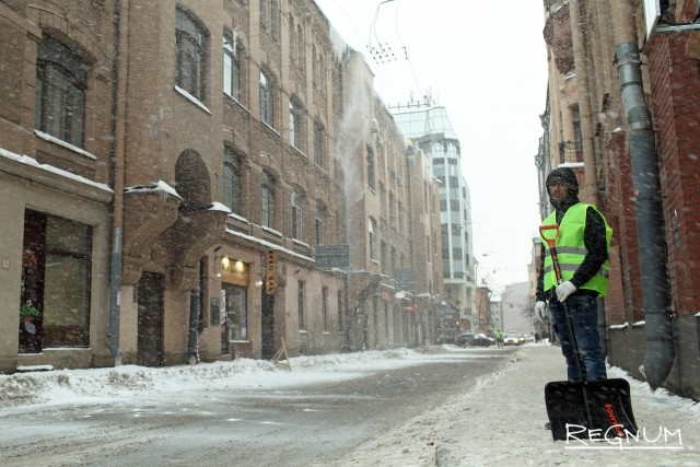 Расчистка на Малом проспекте Петроградской стороны
