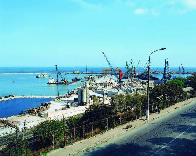 Порты Каспия: нефть вернулась в Махачкалу