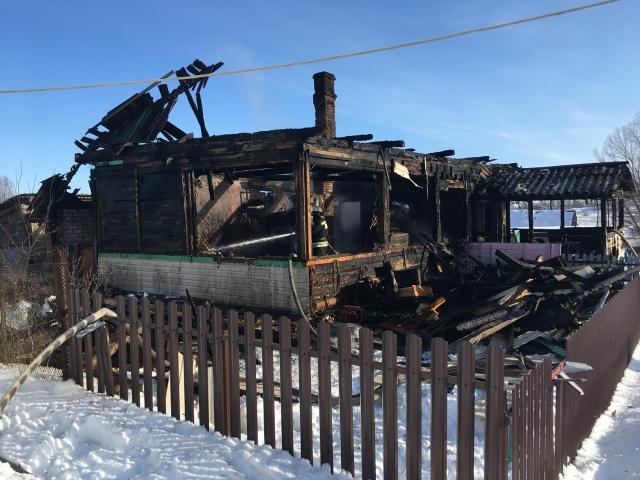 В Калужской области при пожаре в жилом доме погибли 88-летние супруги