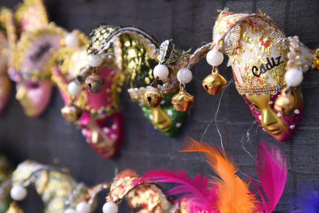 Зомби, чайники и пупсы: карнавал-десант в Кадисе