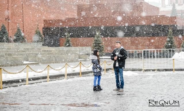 Умеренный мороз и облачность ожидаются 13 февраля в Москве