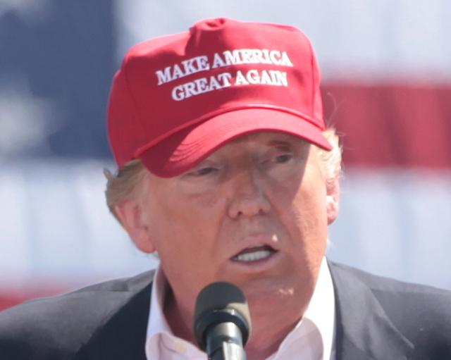 The Hill: Почему Трамп не сможет «сделать Америку снова великой»?