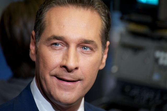 Вице-канцлер Австрии назвал ошибкой признание независимости Косово