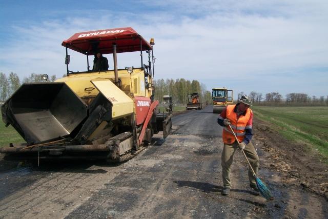Новгородские суды требуют отремонтировать дороги на 12 млрд рублей