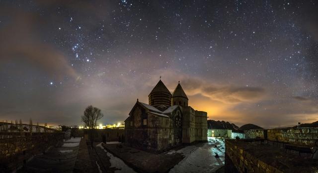 Монастырь Святого Таддея (Кара Келиса или Черная церковь) является древним армянским монастырем, расположенным в Западном Азербайджане, Иране
