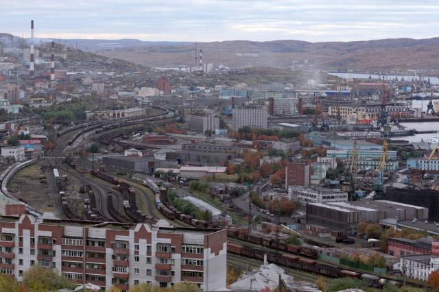 Порт и железнодорожный терминал г. Мурманска