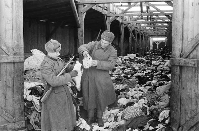 Советские солдаты после освобождения Аушвица