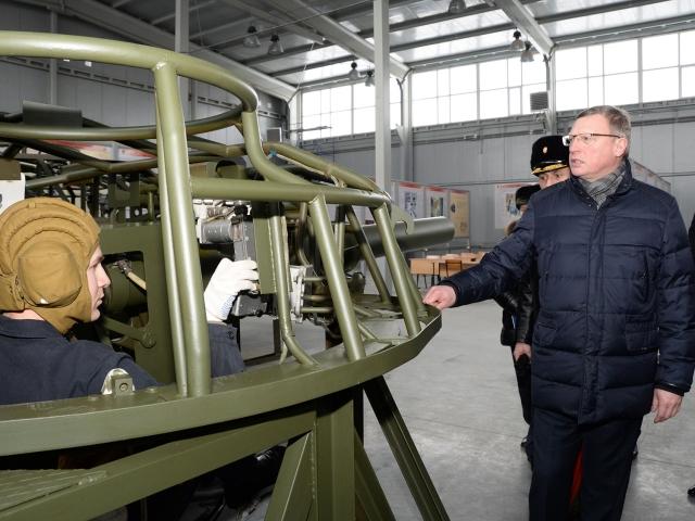 Губернатор – танкист, бывший губернатор – сенатор: главное в Омской области