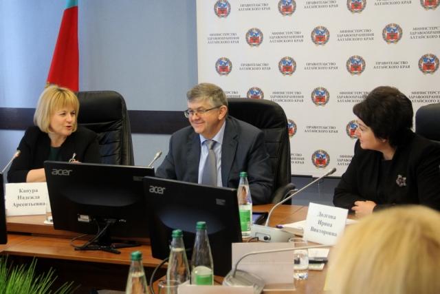 Минздрав рекомендует: опыт Алтайского края передадут другим регионам