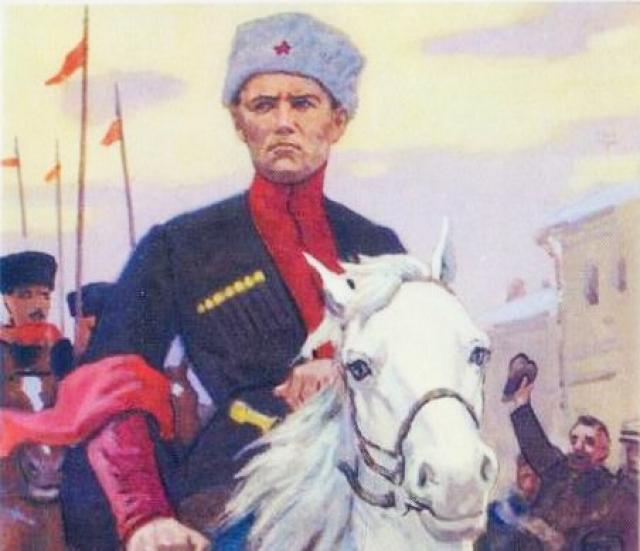 Иван Антонович Кочубей, один из многочисленных командиров Красного казачества, входит в освобожденный город