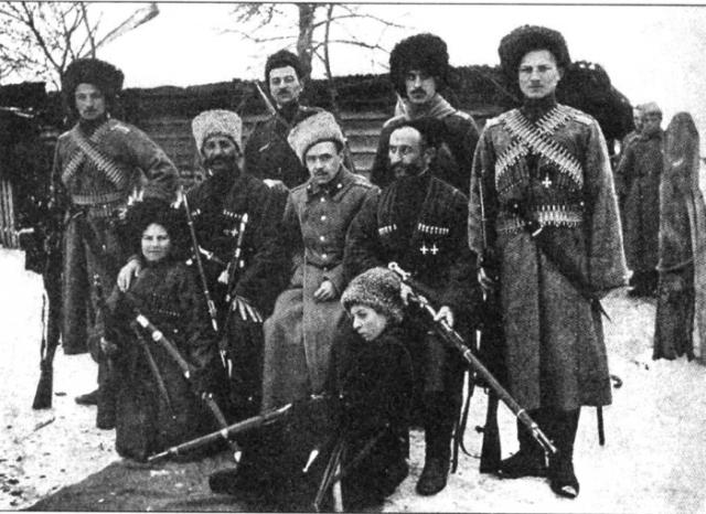 Терские казаки после боя. Первая мировая война, 1917 — 1918 год