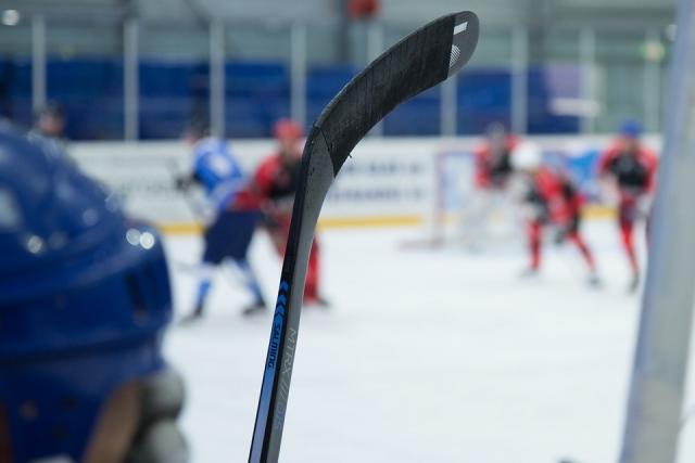 НХЛ перед дедлайном: Ник Холден стал игроком «Брюинз»