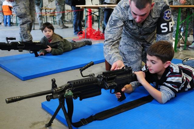 Дети и оружие в США