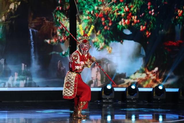 Сунь Цзинпэн в роли Царя обезьян