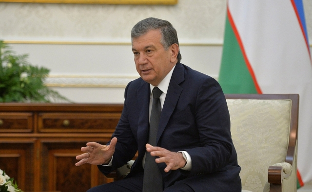 Между кириллицей и латиницей: Реформа образования в Узбекистане