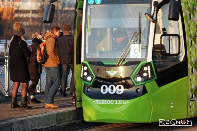 Охота на «Чижика»: в Петербурге поехал частный трамвай