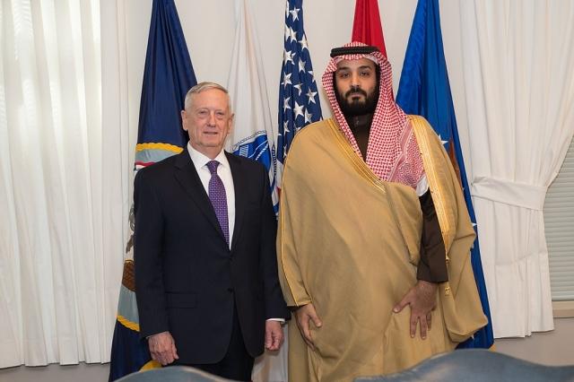 Принц Мухаммад бен Салман (справа)