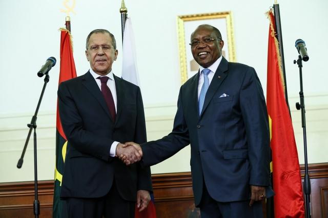 Сергей Лавров во время визита в Анголу