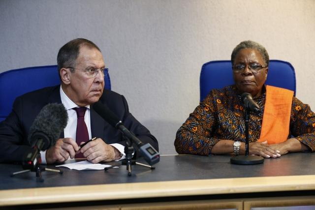 Сергей Лавров во время переговорв в Намибии