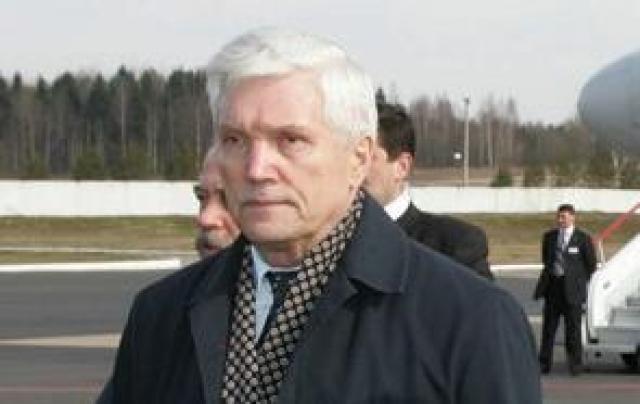 Падение продолжается: чьи интересы представляет посол России в Белоруссии?