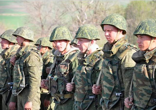 Российские военные участвуют в учениях на юге Таджикистана