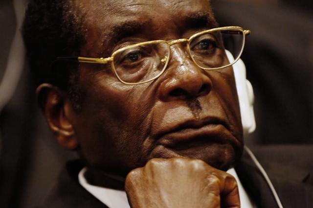 «Нужно отменить этот позор!» — Мугабе дал интервью о перевороте в Зимбабве