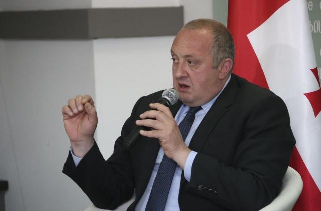 Президента Грузии и премьера развела Россия