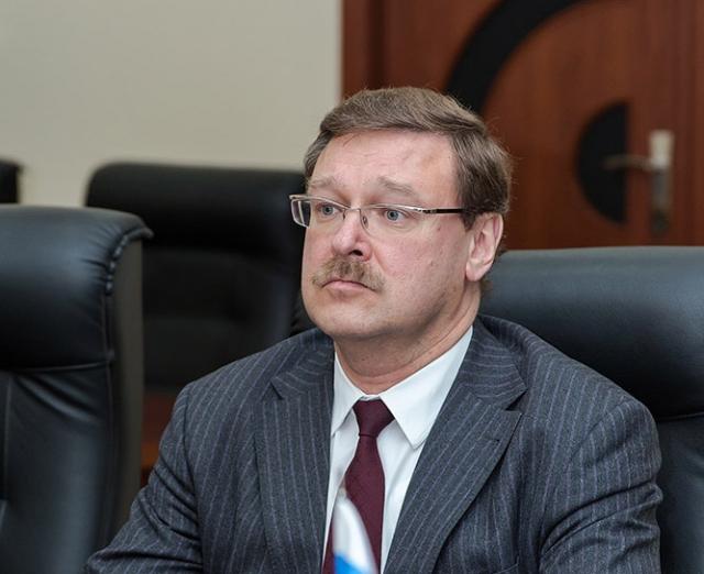 Косачев: Москва обеспокоена угрозами в адрес граждан РФ на Украине