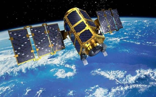 Военный метеорологический спутник США DMSP 5D-2/F13