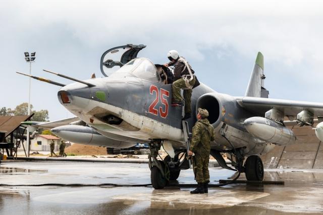 Почему штурмовик Су-25СМ3 «Суперграч» нужен российским войскам в Сирии?