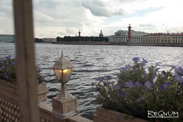 Запрет на хостелы в жилых домах вреден для туризма, уверены в Петербурге