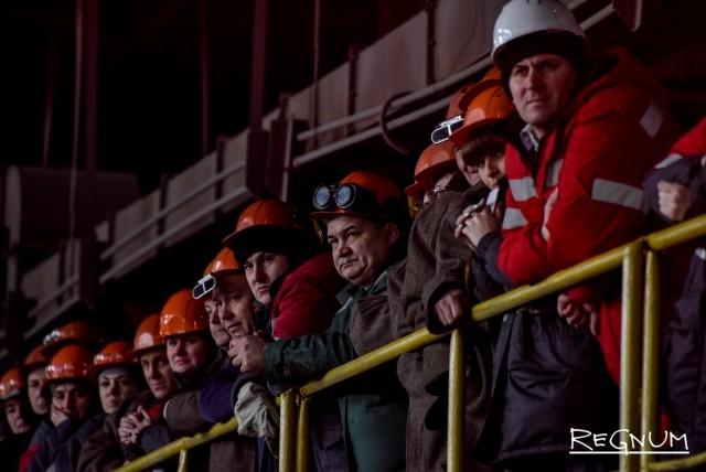 Работники ВМЗ пришли попрощаться с историей