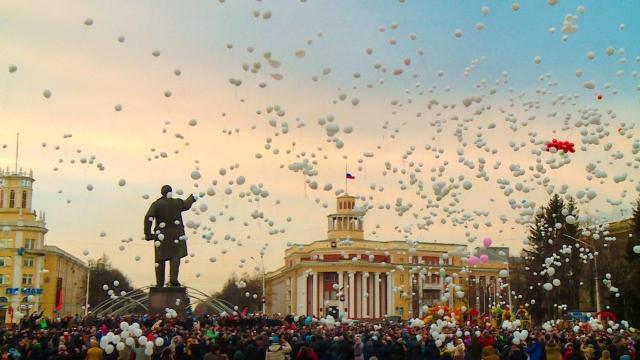 Акция памяти «Кемерово, мы с тобой!» состоялась в Кузбассе сегодня в 19:00