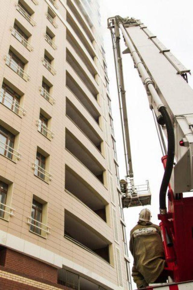 Омские пожарные провели учения на самом высотном доме города