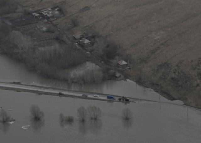 Наводнение на Алтае: вода в реках пошла вверх по течению