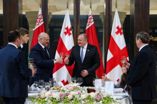 Александр Лукашенко во время визита в Грузию