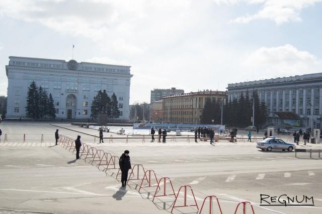 Кемерово, 31 марта. Площадь Советов. На несанкционированный митинг почти никто не пришел