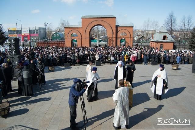 Кемерово, 31 марта. Траурный митинг у Знаменского собора